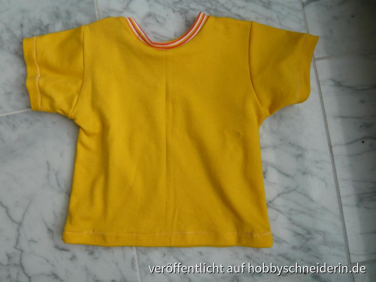 mein erstes T-Shirt mit der Overlock - gerade erst gestern (Aug13) gemacht.