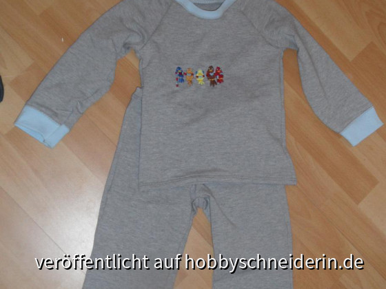 Schlafanzug mit Probesticki aus der Ottobre 6/2011