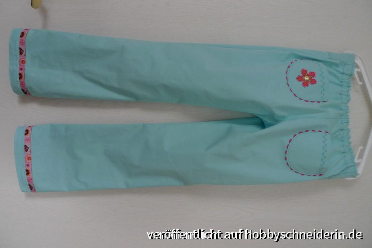Eine Sommerhose fürs Mädchen - Bauchumfang entspricht Gr. 116, Länge 134 - passt!