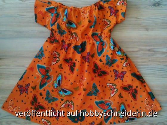 Empirekleid in Gr. 104/110 für die Tochter meiner Freundin, Schnitt von Minikrea, Stoff aus dem örtlichen Stoffladen (Webware)