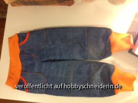 Kindehose aus alten Jeans von Opa - vorne - (Ottobre 4/2010 Nr 11)