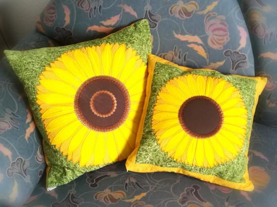 Gestickt und genäht - Sonnenblumenliebe!