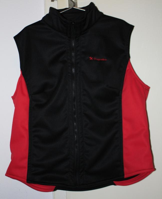 Weste aus Softshell-Material.