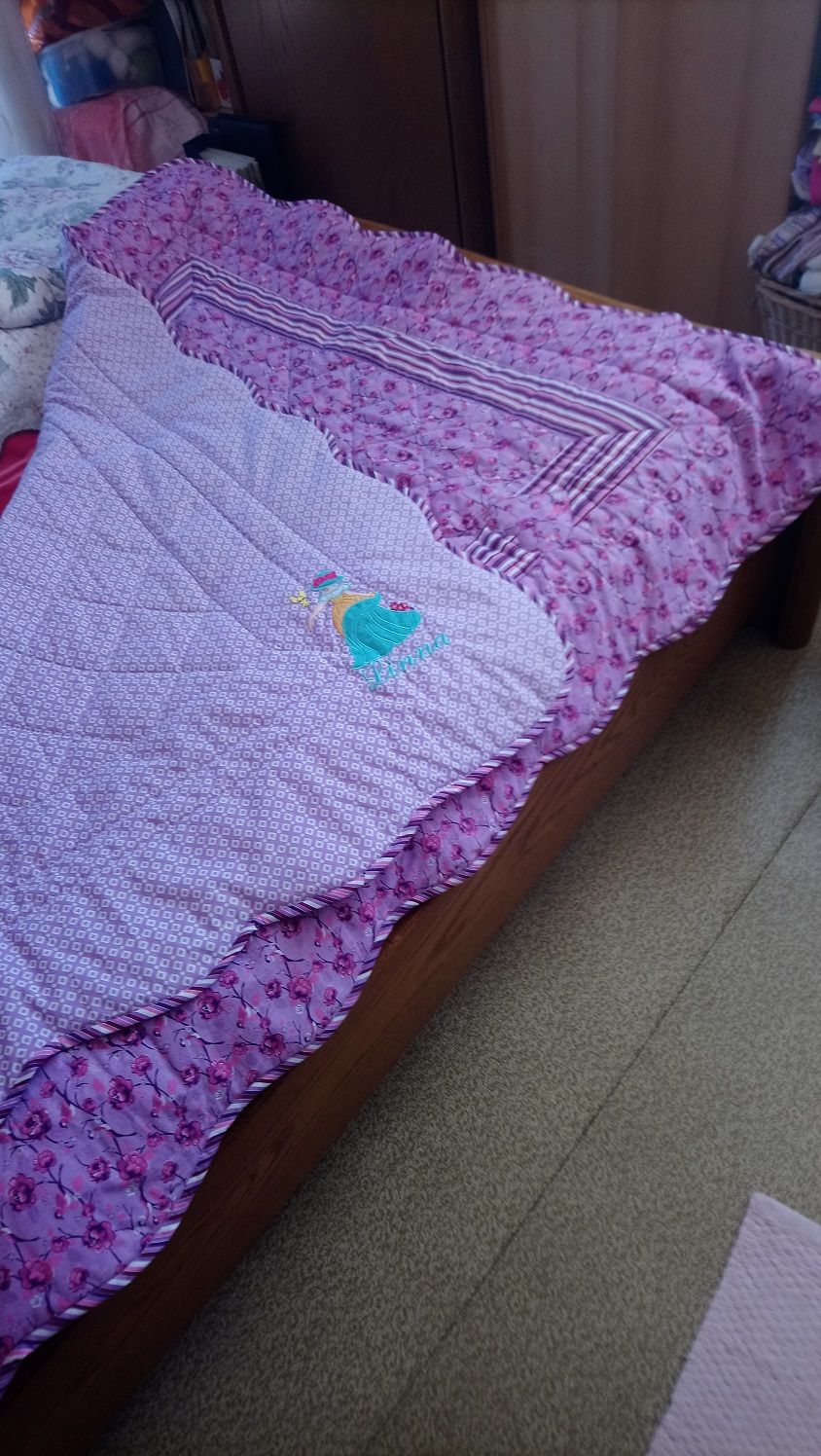 einfache Quiltdecke für Enkelmädchen Linna