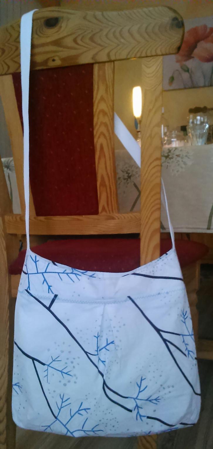 Schnabelinaeasybag in small mit Innentasche und Reißverschluss, Stoffe aus dem Stoffregal, so lange gelagert, dass ich nicht mehr weiß, wann und wo ich die gekauft habe