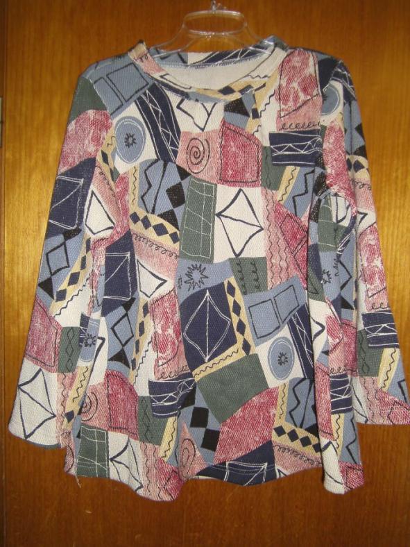 Pullover für meine Tochter aus der Ottobre 01/2009 auf Größe 158 vergrößert.
