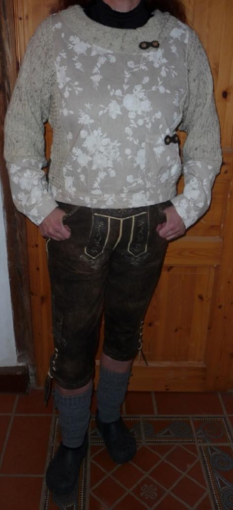 Pullbluse, für diese Hose extra angefertigt