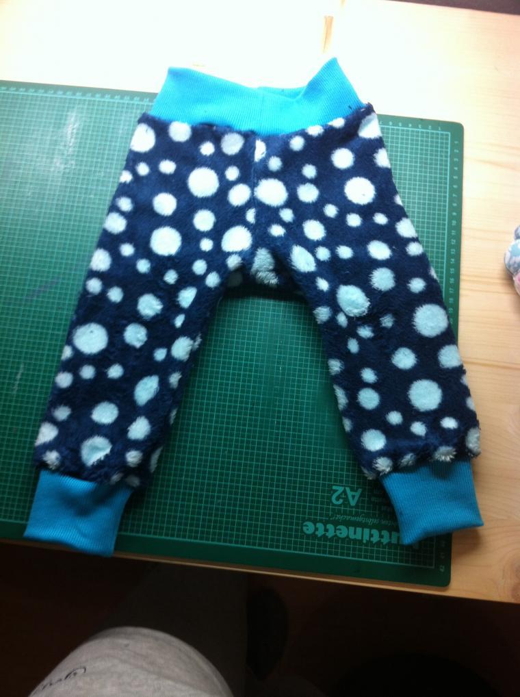 Hosen Hosen Hosen - Schnitt: Brindille & Twig - die ganz warme Variante aus dickem Kuschelfleece