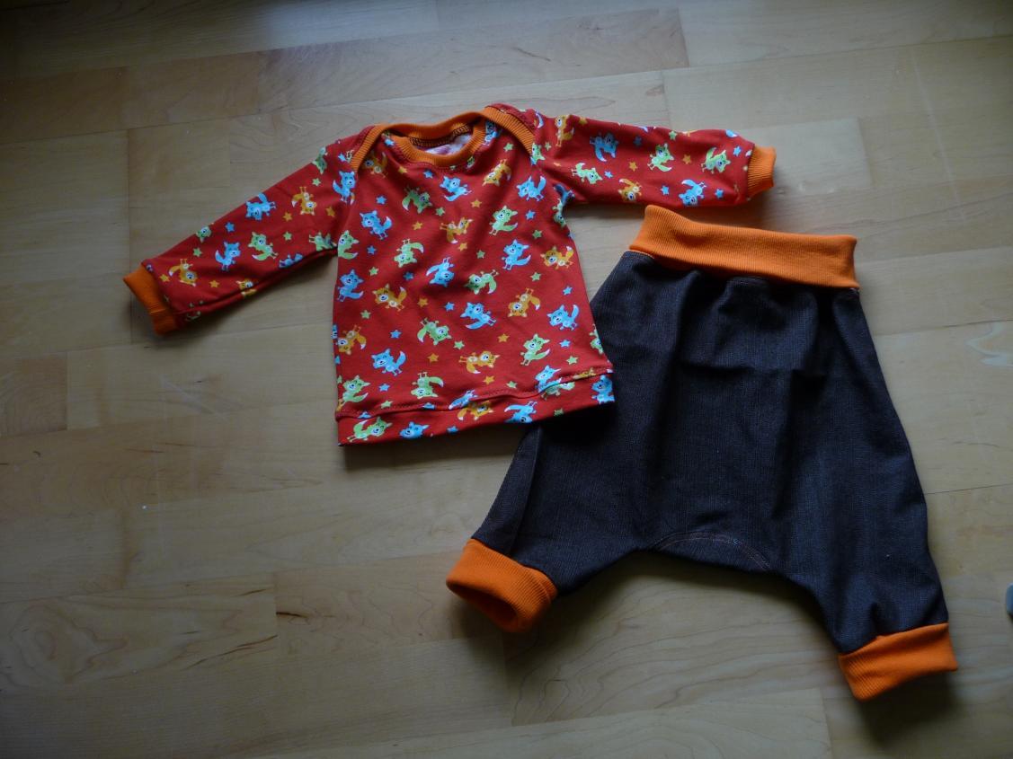 Crawl and Roll (Ottobre) und Babyshirt in 62