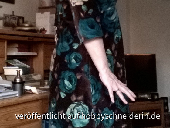 Samtkleid Stitch Detail aus Ottobre 05/12