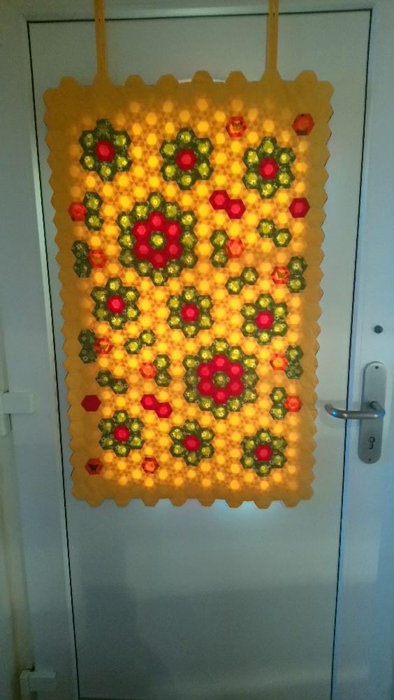 Türbehang aus Hexagons