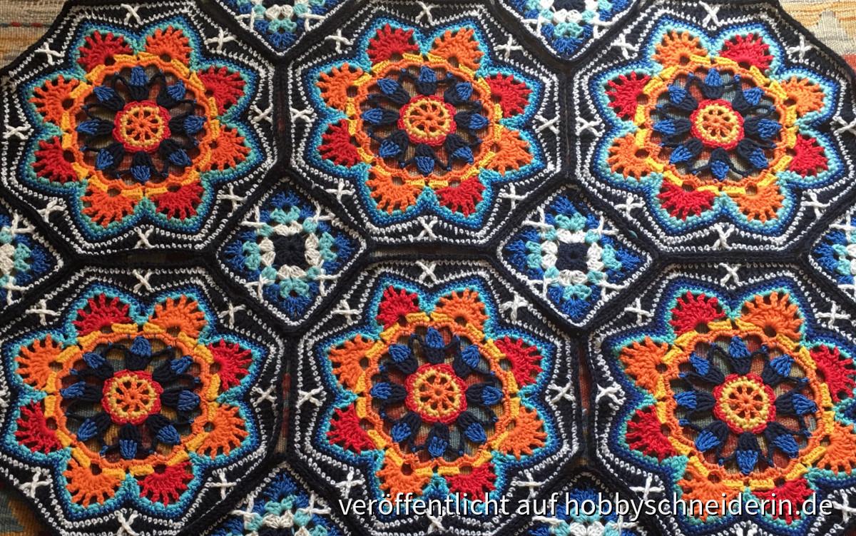 Persian tiles blanket von Janie Crow