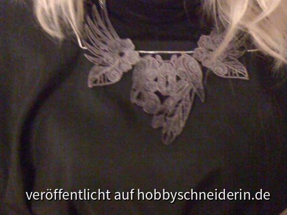 Halsschmuck. Lace-Sickerei. Urbanthread-datei