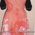 Butterick Walk Away Dress von Hinten (mit Bewegungsfalten).