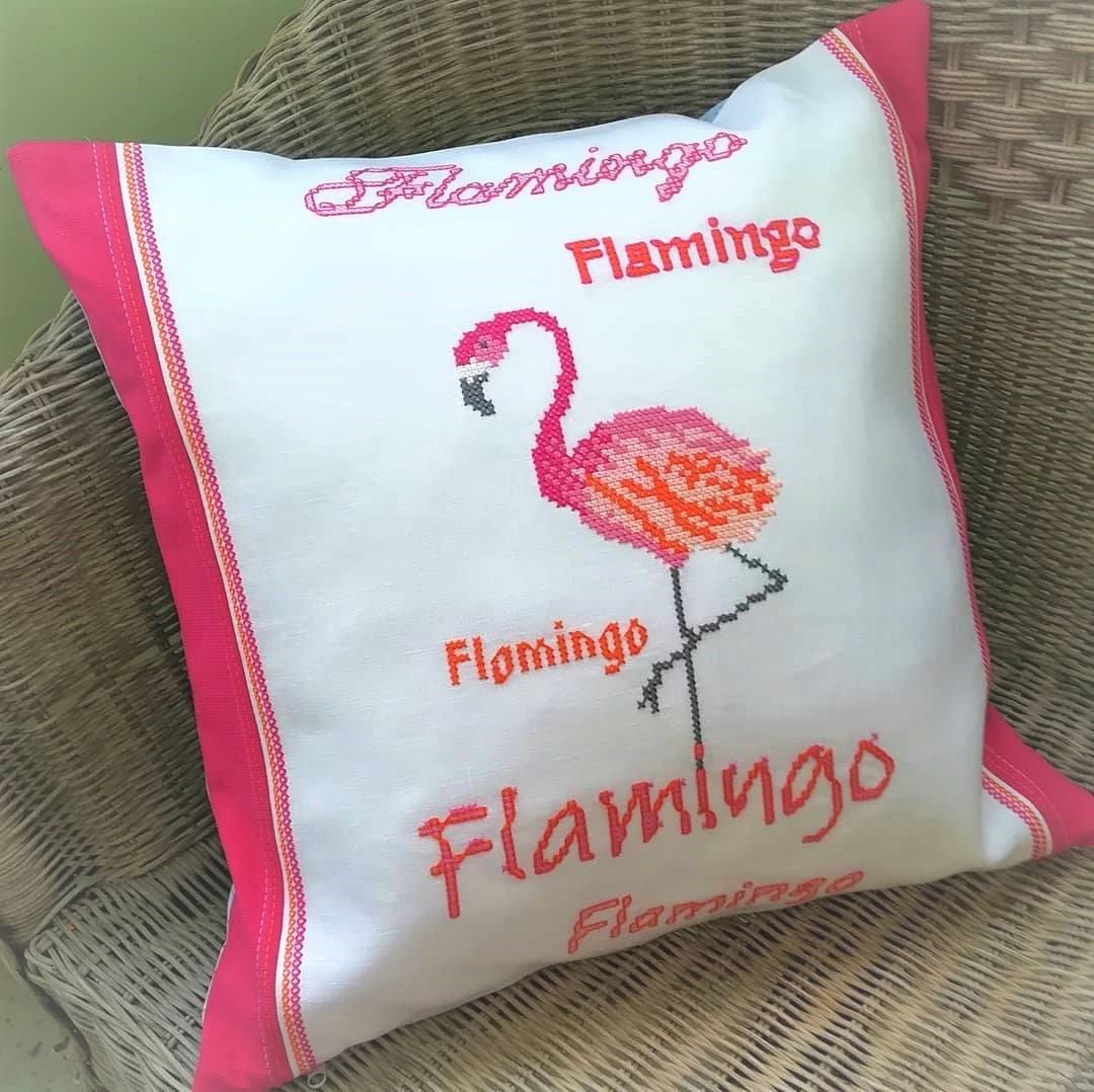 Flamingokissen in Kreuzstich - Anne Liebler ist die Hobbyschneiderin