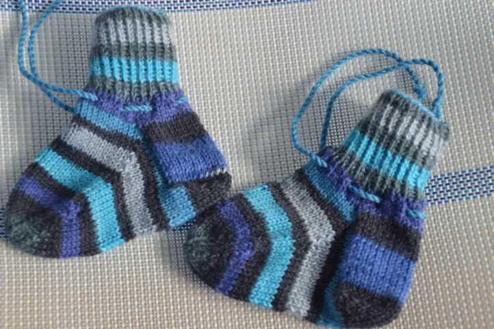 Blaue XL Babysöckchen