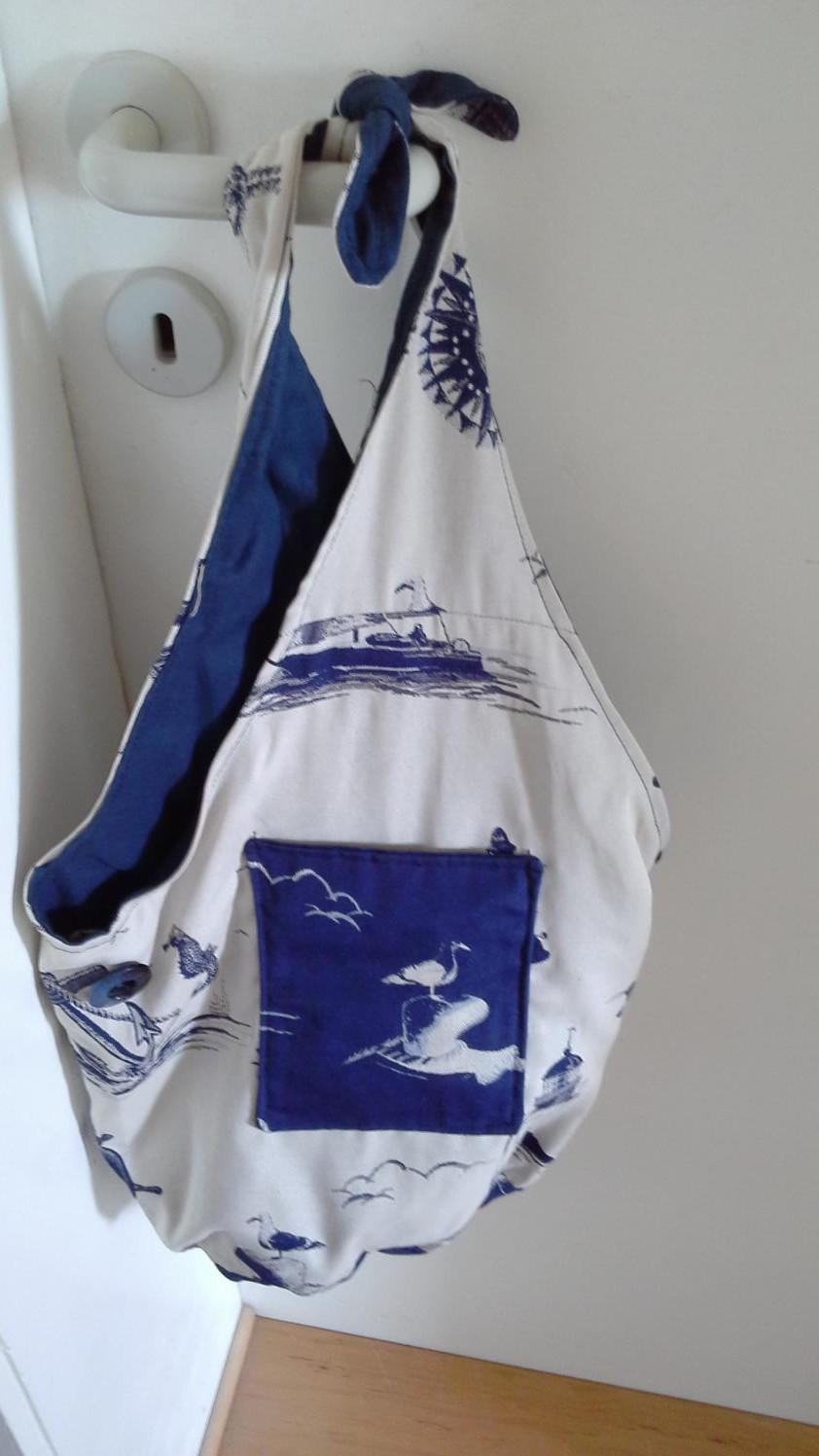 1 . Meine erste Tasche.Der Stoff war schon zugeschnitten, ich musste nur noch zusammennähen