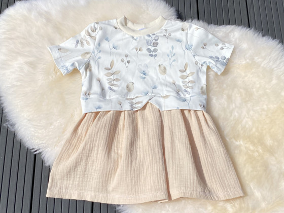 Girly Sweater mit Add-ons in Größe 122