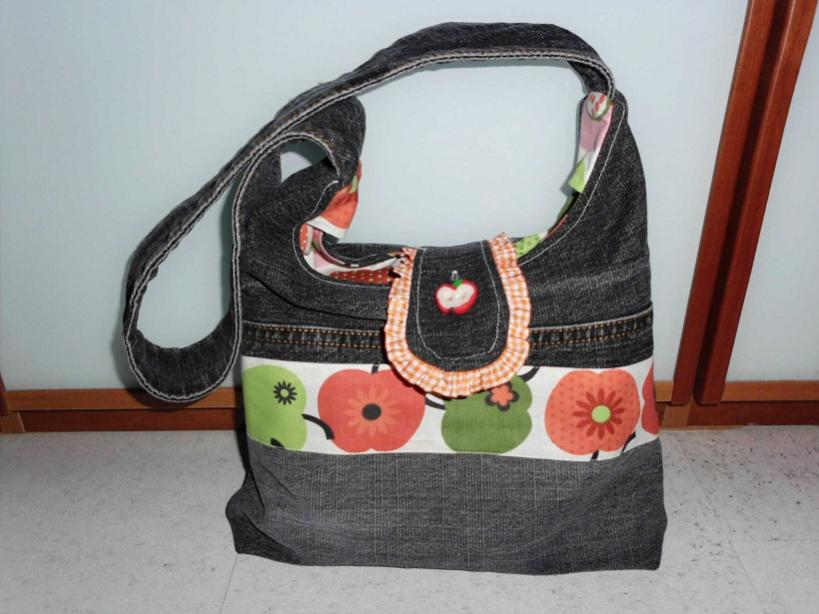 Handtasche Allesdrin von Farbenmix in Klein