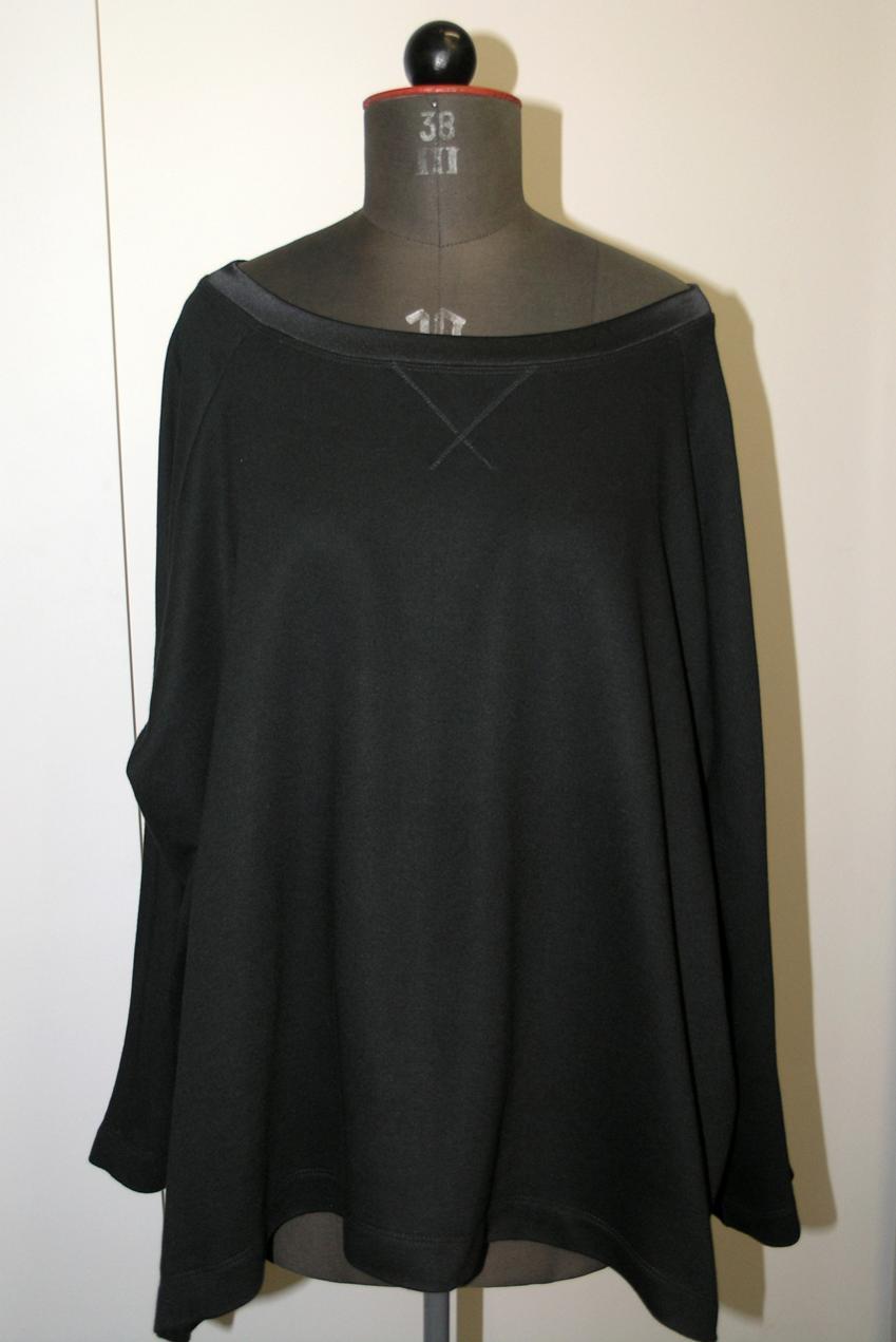 Oversize-Sweatshirt Burda 06/14, Modell 114Halsausschnittbündchen aus Seidensatin. (Bündchenware ummantelt von Seidensatin mit hohem Elasthan-Anteil).