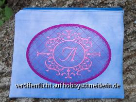 Täschchen mit Monogram