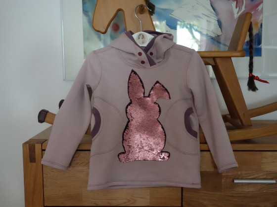 Hoody mit Wendepailletten Gr.104 aus Ottobre for Kids
