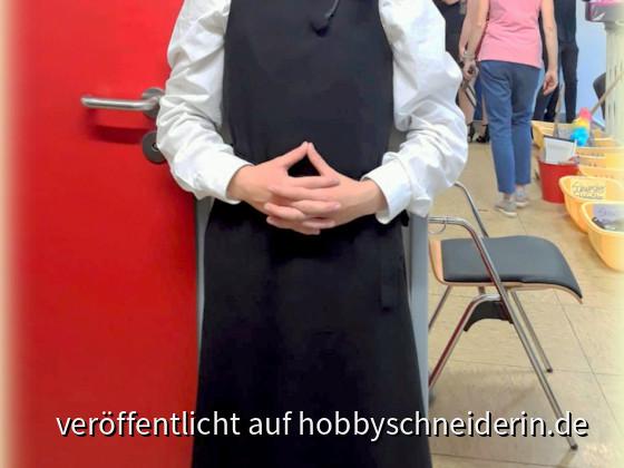 Kleid und Schleier für Schwester Mary Robert in sister act