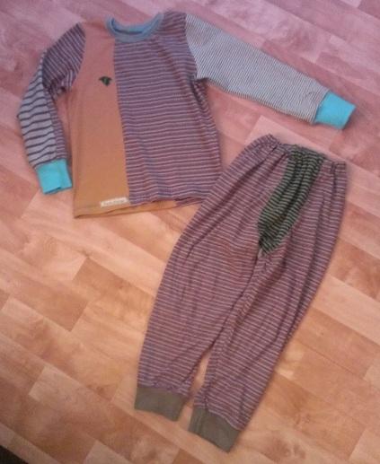 Schlafanzug Nr. 2für Sohnemann