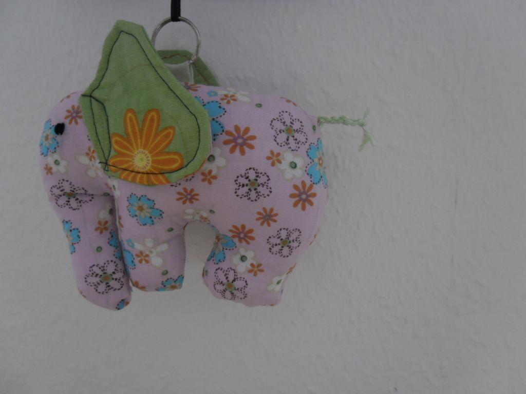 Kuschelbande Elefant nach einer Anleitung von Farbenmix