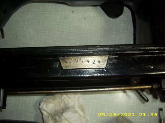 Pfaff Industrienähmaschine 138 6 U in schwartz