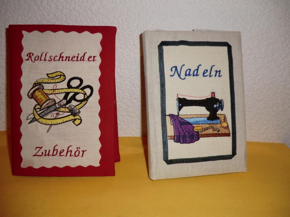Aus alten Einbänden von Kalendern habe ich mir diese Ordnungshüter gebastelt :-)