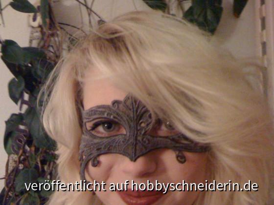 Lace-Maske, gestickt von der urbanthread-datei