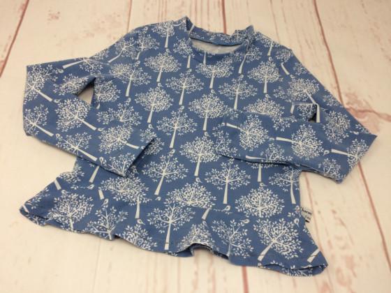 Bäume Shirt - Basicteil - Schnitt Nastja in Größe 110
