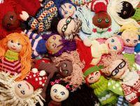 Strikkedukker Wettbewerb Puppen