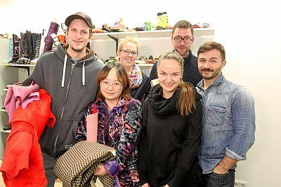 hinten von links: Jeff Archer, Milou van den Berg, Mads Dinesen; vorn, von links: Nova Chiu, Lenka Marková, Sam Frenzel