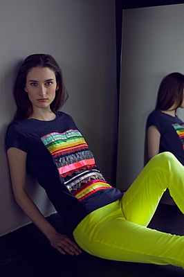 T-Shirt mit Bändern