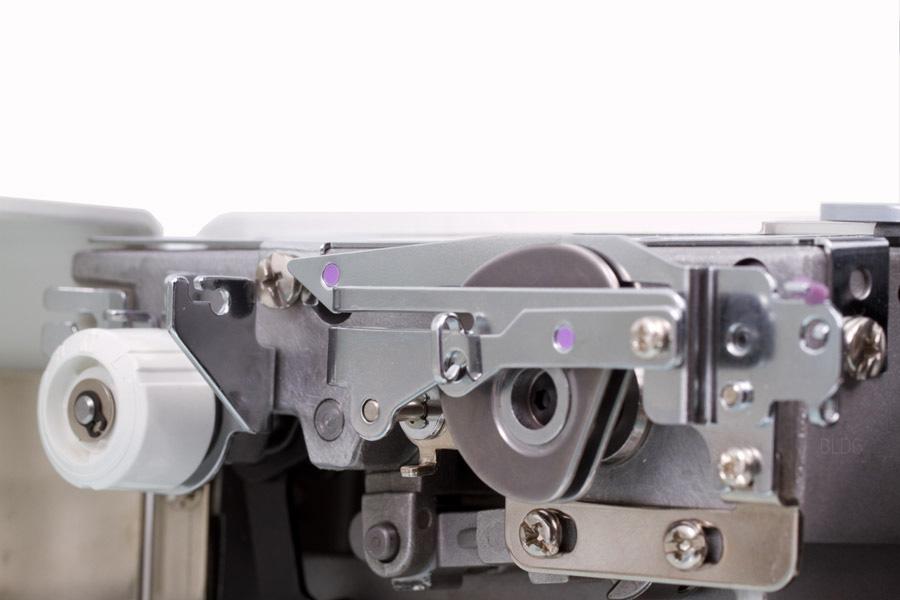 JUKI MO-735 Fadenspannung Covergreifer