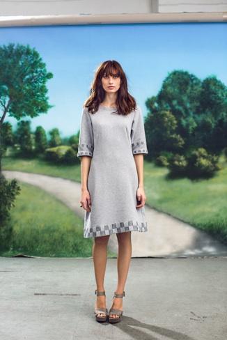 Kleid Sweat Stoff mit Filzbändern